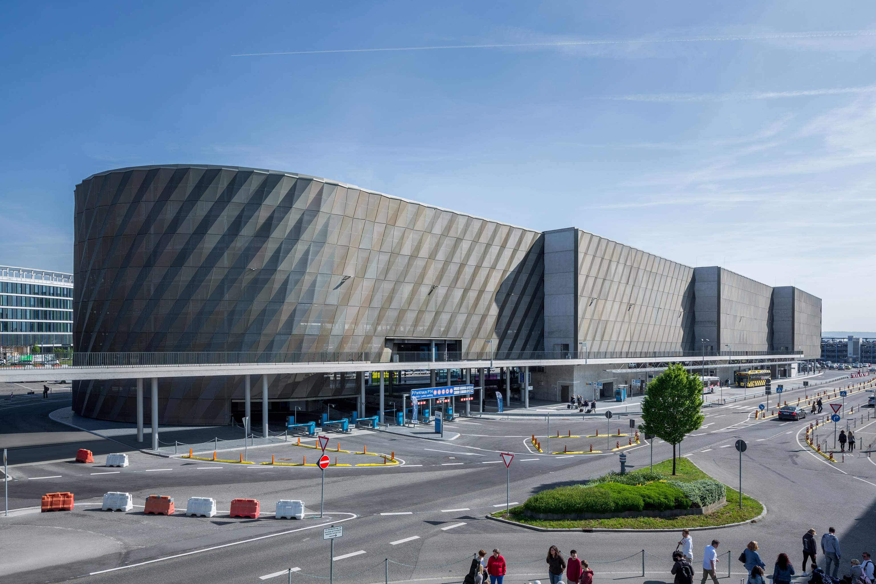 Airport Stuttgart   HWP Planungsgesellschaft mbH